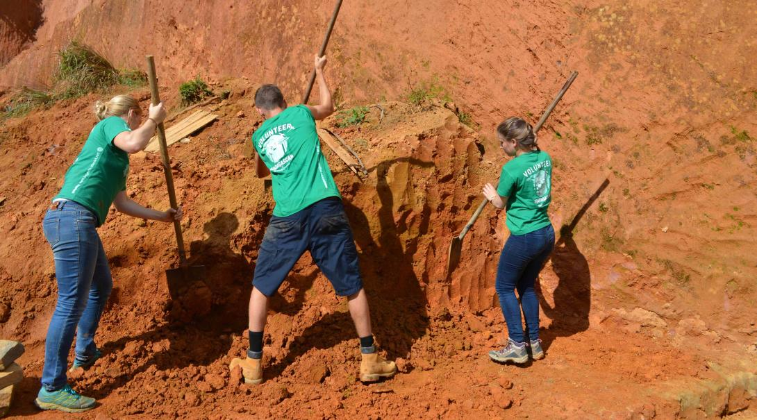 A group of teenage volunteers do some conservation work in Madagascar with Projects Abroad.